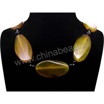Fashion gemstone necklace, 20x40x5mm twisted flat oval yellow agate beads and 6mm smooth round black onyx beads, 19x11x4mm brass lobster claw clasp in platinum plating, Approx 560mm in length, Sold by strands